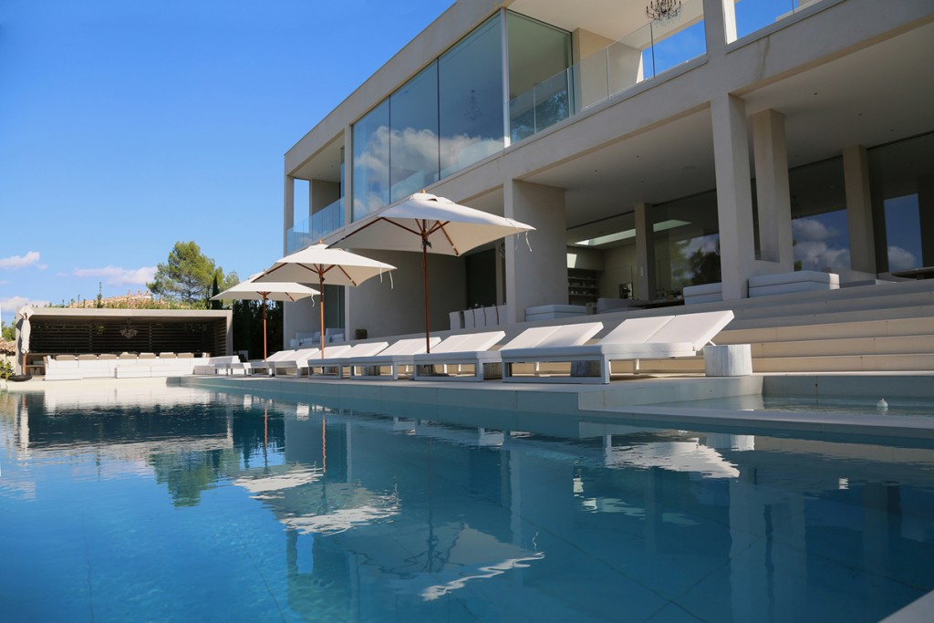 featured_13A-Exterior-Pool-Terrace